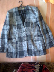 Пиджак в клетку 48, 50 размер,  без воротника.