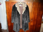 Шуба новая, тёплая с цигейковым воротником, Чехословакия, размер 50-54.