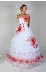 Свадебное платье с вышивкой,  новое