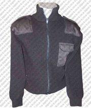 Форменный свитер черный