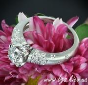 Помолвочные кольца. Золотые кольца на подарок.