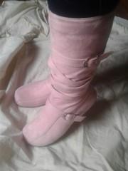Новенькі сукняняні чобітки.